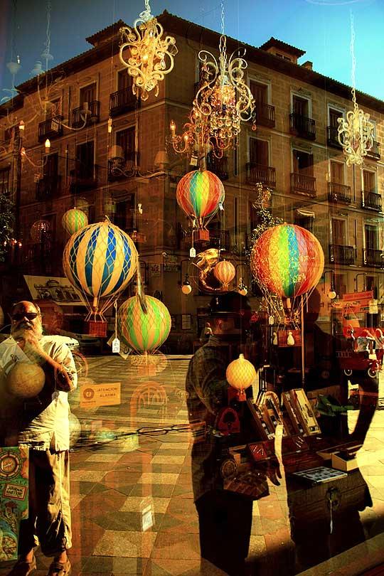 Vitrina de globos de Leo Carreño
