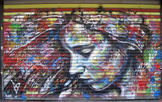 Arte urbano en retrato de DAVID WALKER.